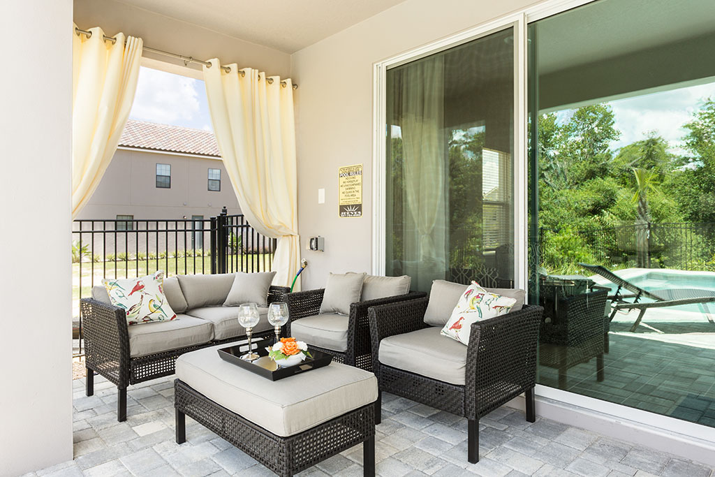 Reunion Resort 629's outdoor seating area