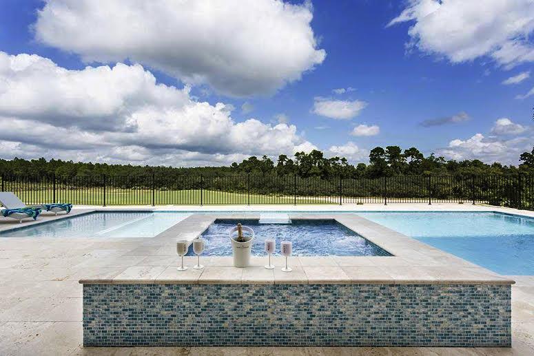 Reunion Resort 7500's private pool