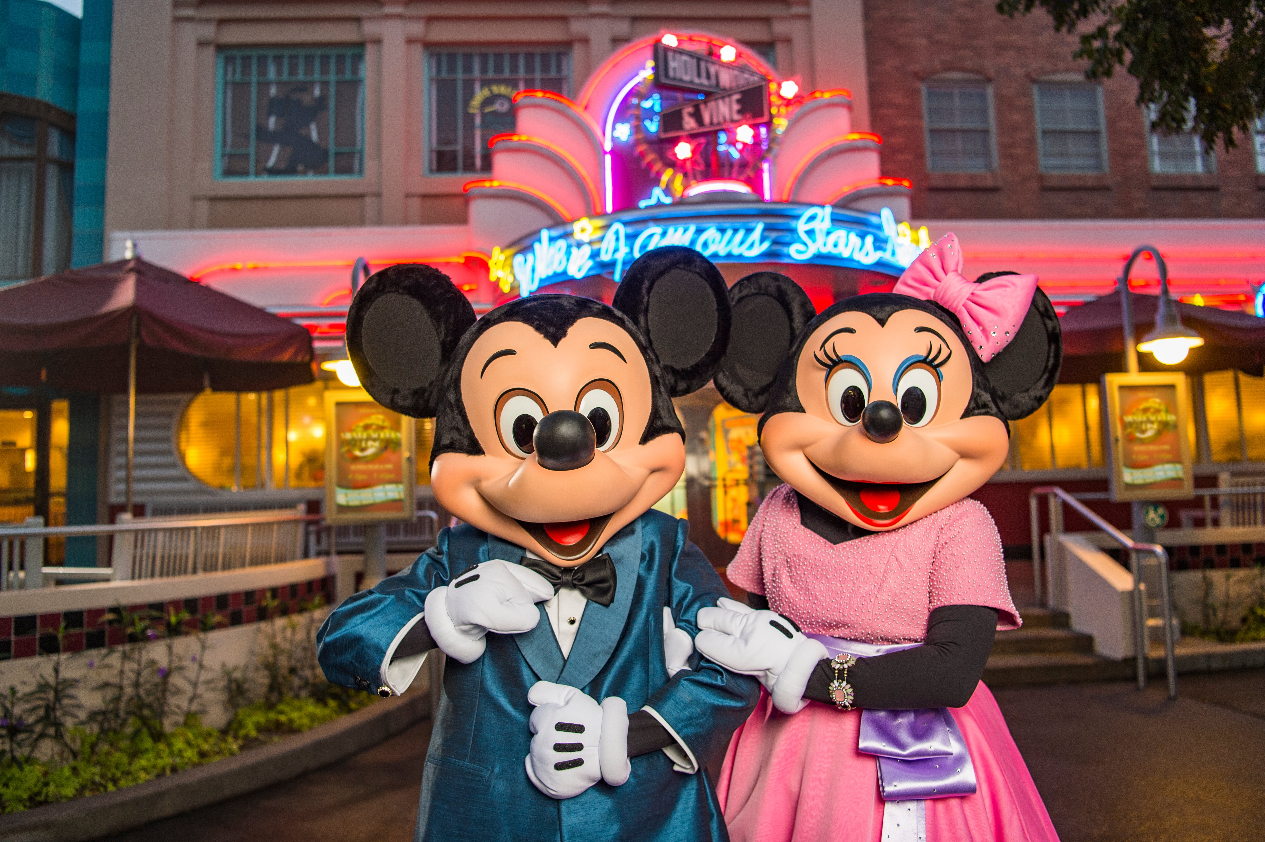 Minnie's Silver Screen Dine at Hollywood Dine & Vine