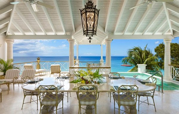 Paynes Bay has some great beachfront villas
