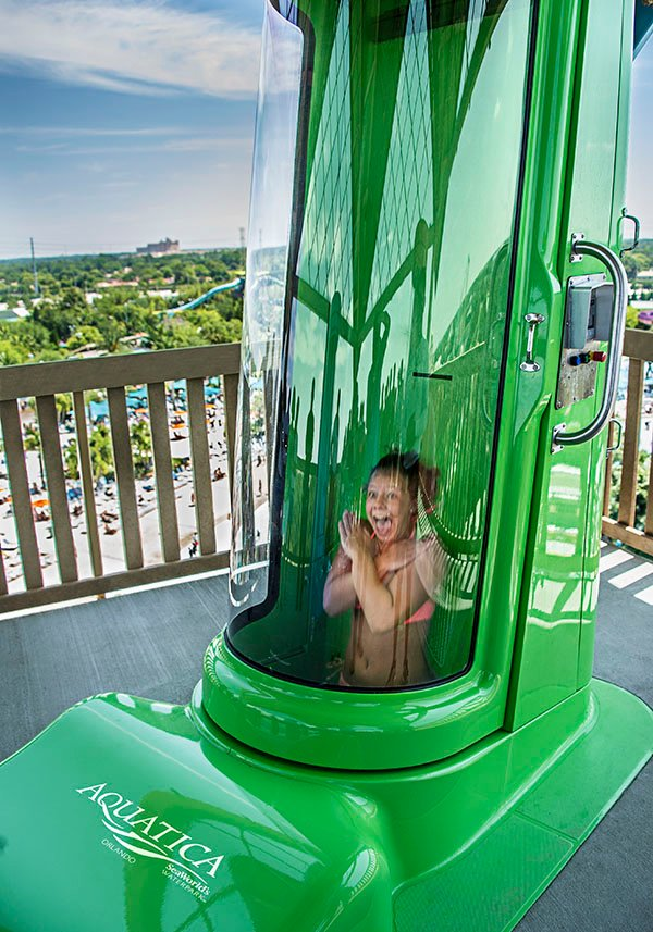 Ihu's Breakaway Falls at Aquatica in Orlando
