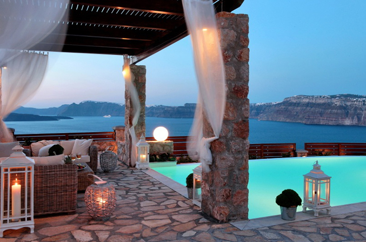 luxury villas in santorini greece