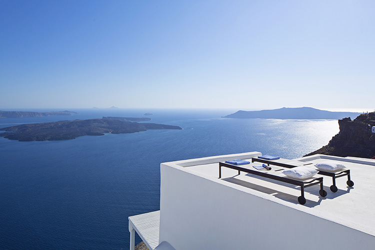 special places to stay in santorini greece