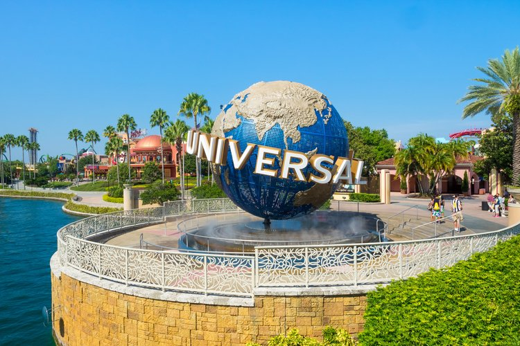 When is the best time to visit Universal Orlando