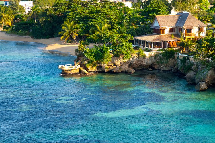 Large villas in Jamaica