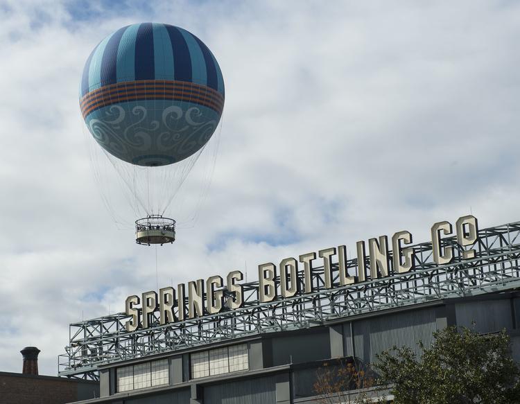 hot air balloon ride in disney springs