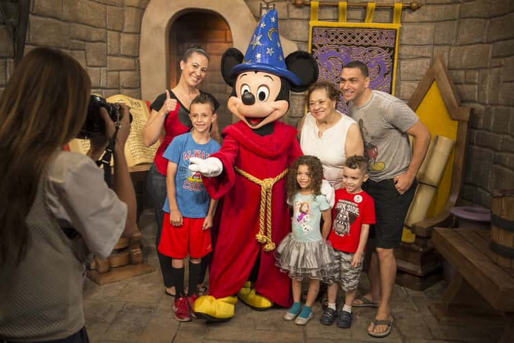 Where to find characters at disney world top villas character meet and greets give guests quality time with their disney favorites m4hsunfo