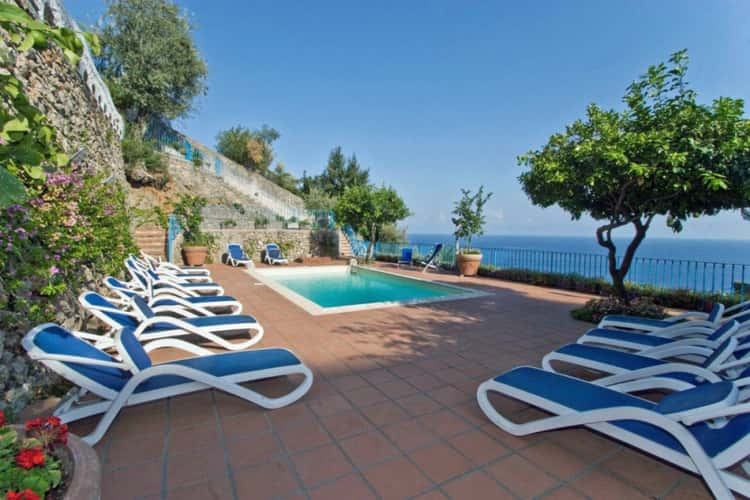 pet friendly villas in italy