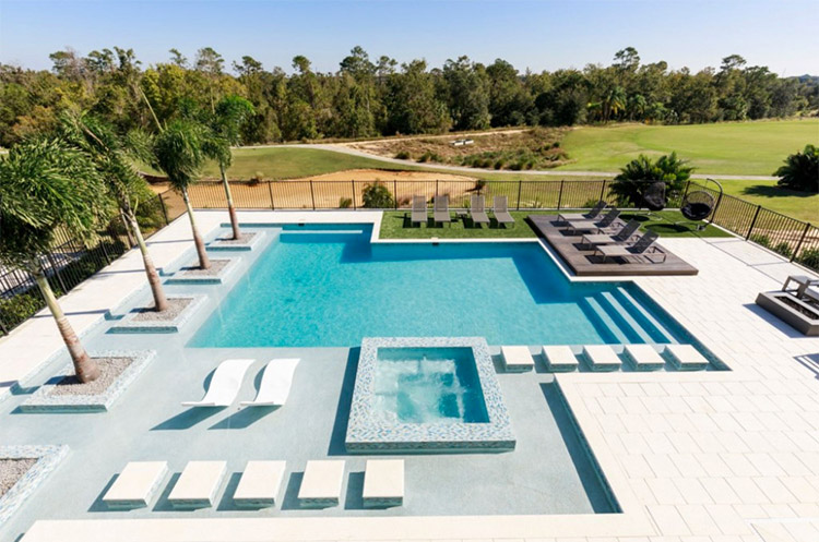 6 Orlando Vacation Homes Amazing Pool Designs