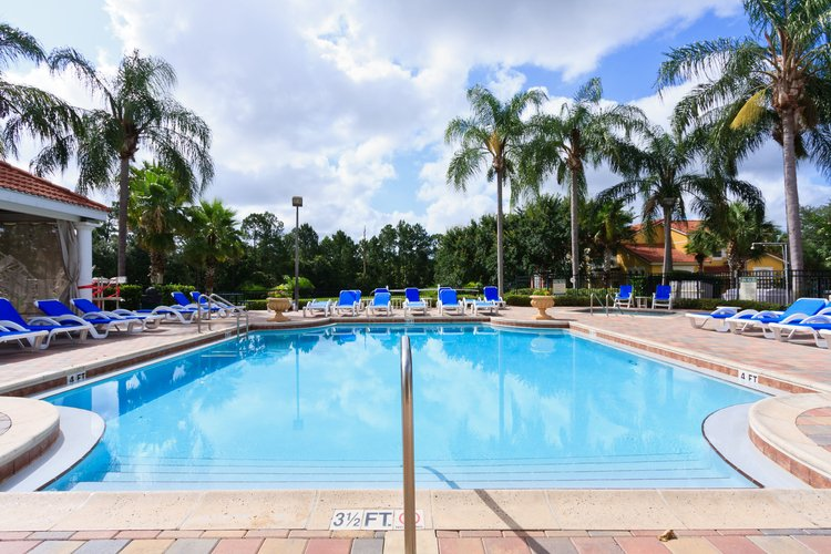 The best resorts in Orlando all have communal pools