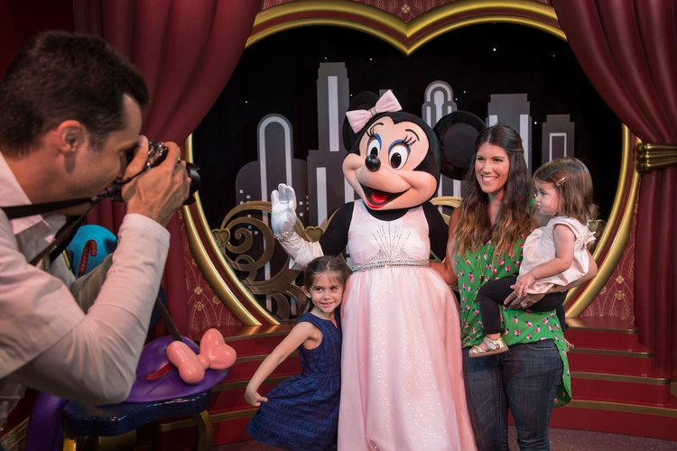 Disney World Photopass gets everyone in the picture
