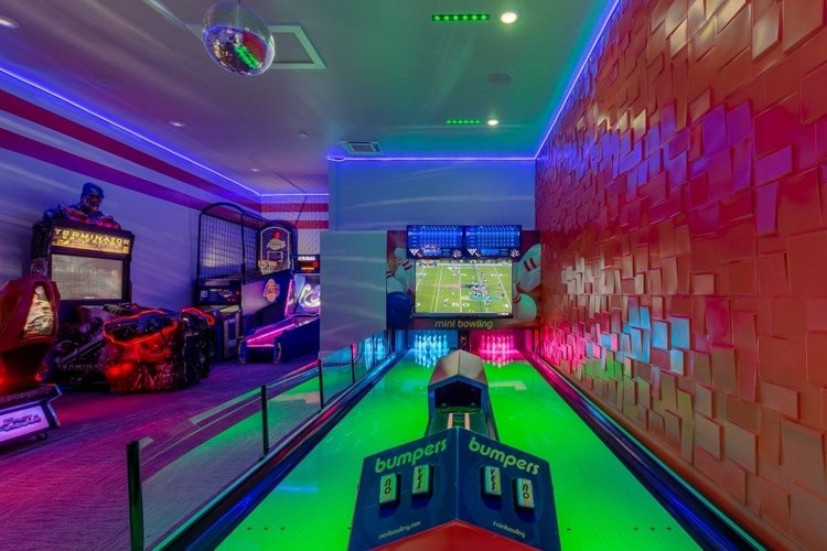 Reunion Resort 4500 has a custom-built bowling alley