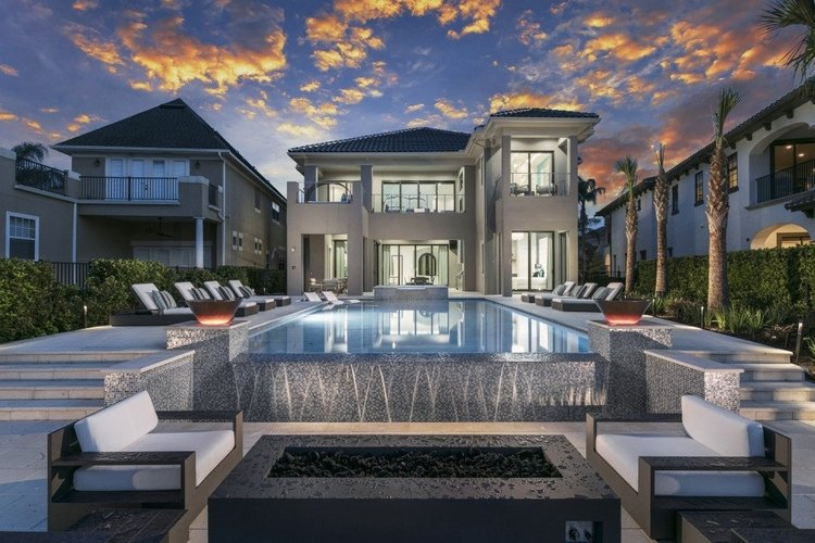 8-bedroom luxury villa located in Reunion Resort, Orlando