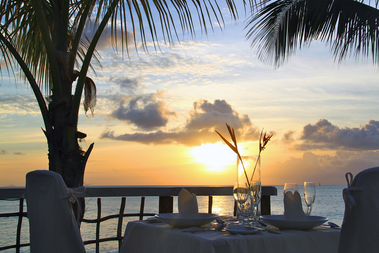 Cheap and free things to do in Barbados at night