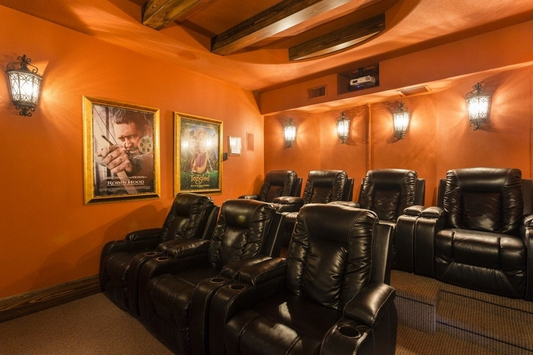 Villas in Orlando with movie theaters