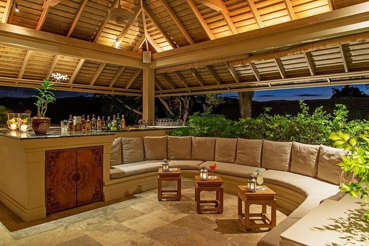 Luxury Caribbean villa with drinks bar outside