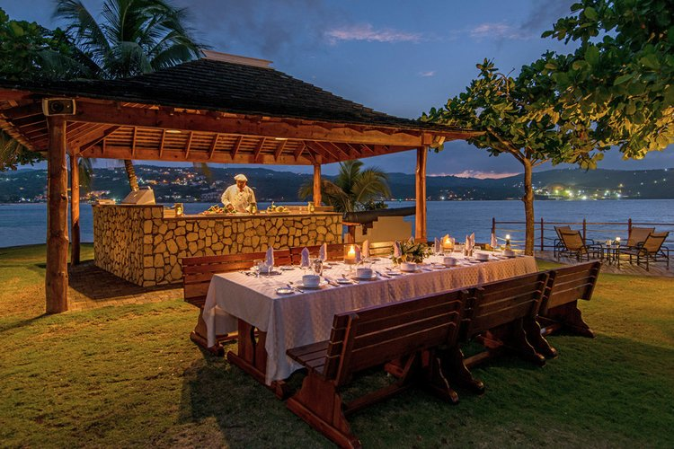 The villa has an outdoor kitchen, a BBQ and an alfresco dining area