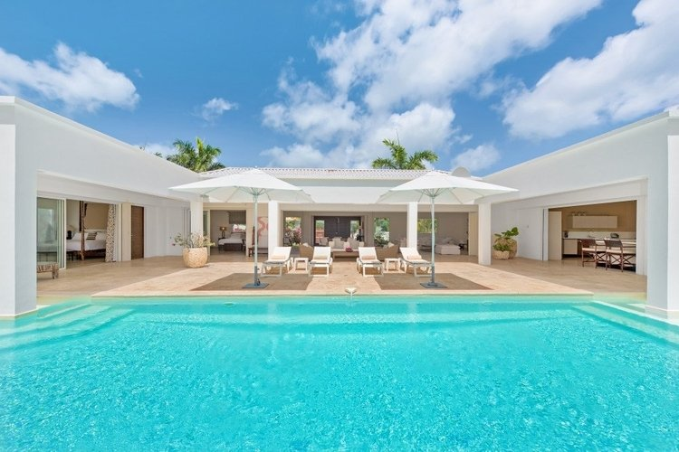 Luxury villas in St. Martin with private pools