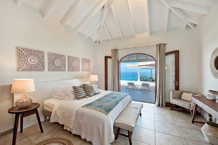 Luxury St Martin villa with sea views