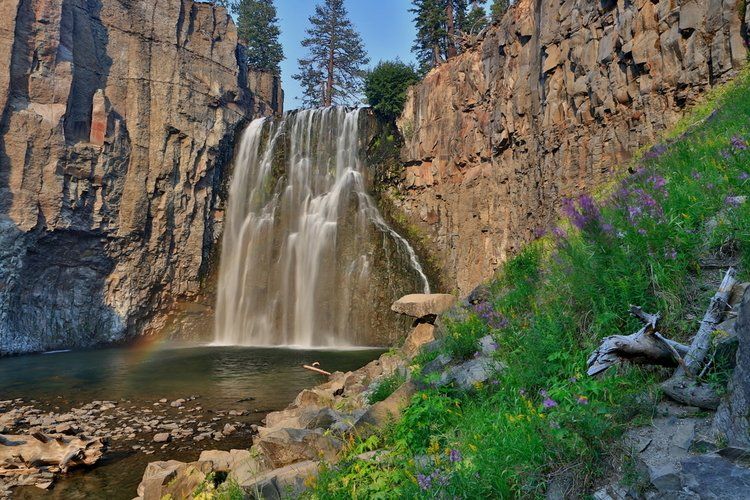 Rainbow Falls in Mammoth Lakes
