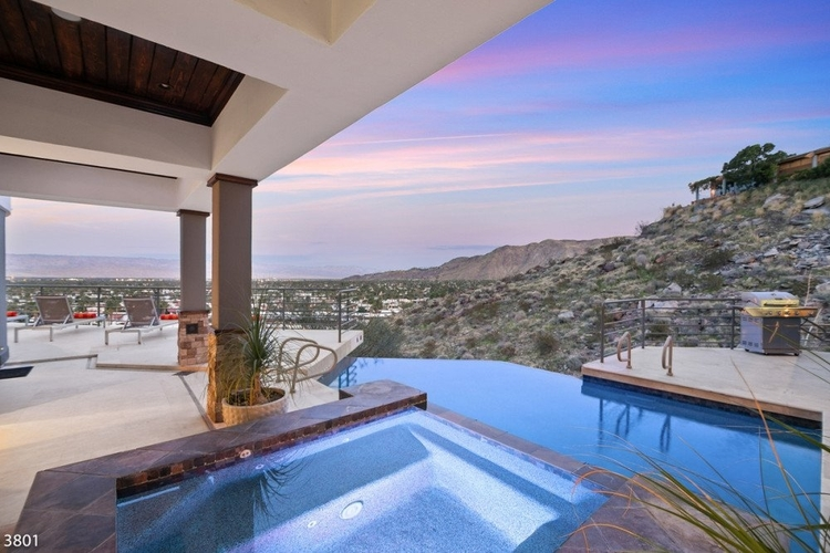 villas with private pools in palm springs
