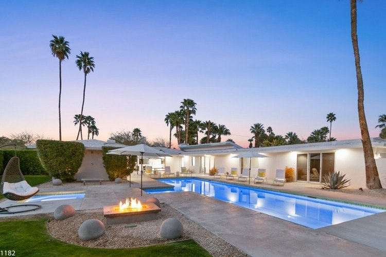 Villas in Palm Springs with private pools and amenities