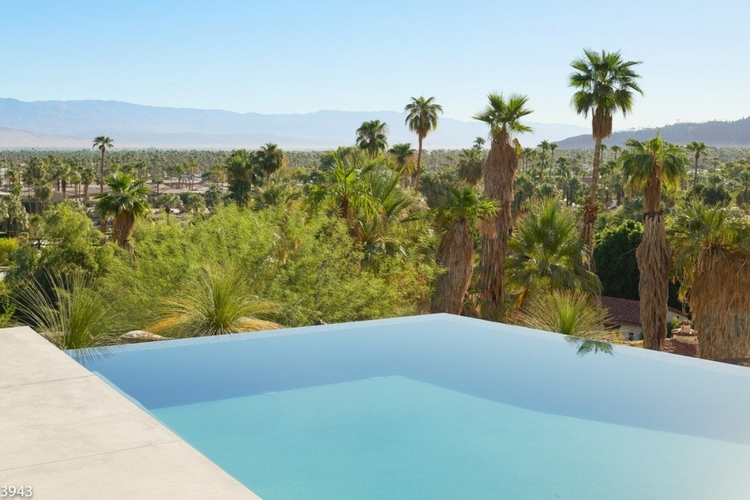 This is one of the bets pools in Palm Springs
