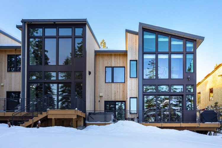 Lake Tahoe cabins for large groups