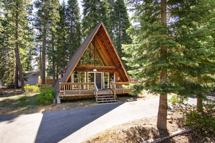 Lake Tahoe cabins pet friendly and dog friendly