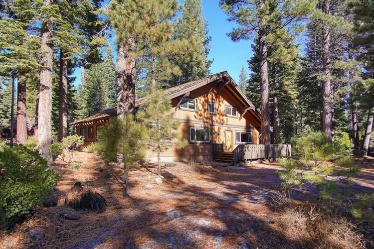 Cabins in Lake Tahoe for large groups