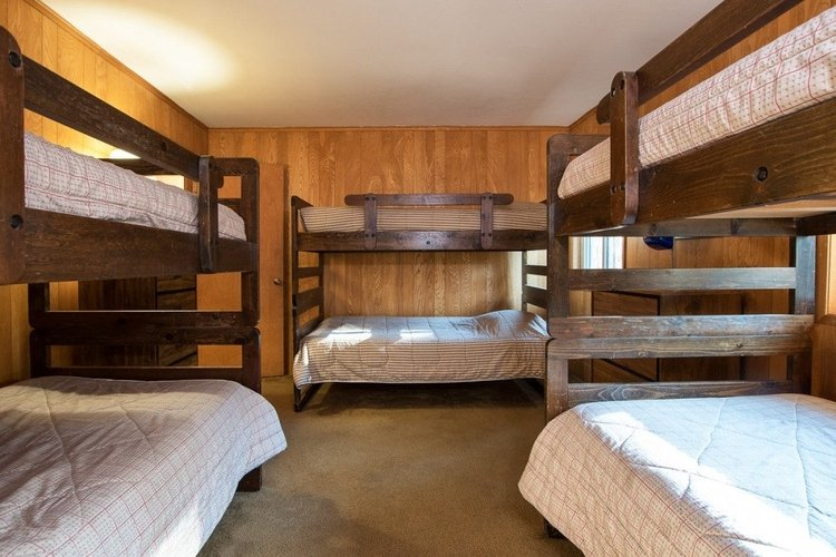 Lake Tahoe lodges and cabins for groups