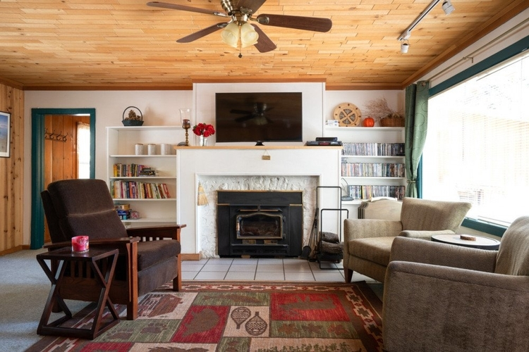 This cabin is the ideal dog-friendly accommodation in Lake Tahoe