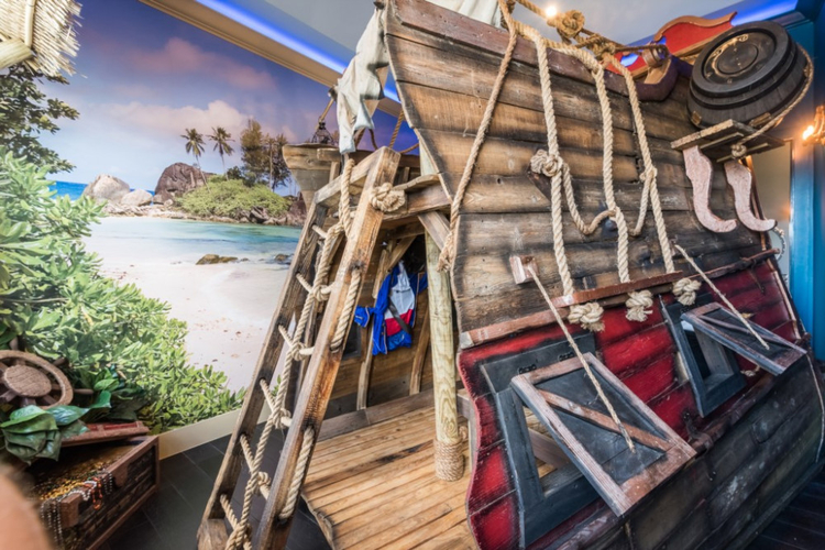 Pirate ship themed kids room at Reunion Resort 1008