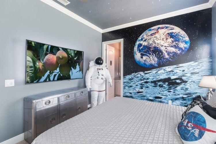 Astronaut and NASA themed kids room Reunion Resort 667