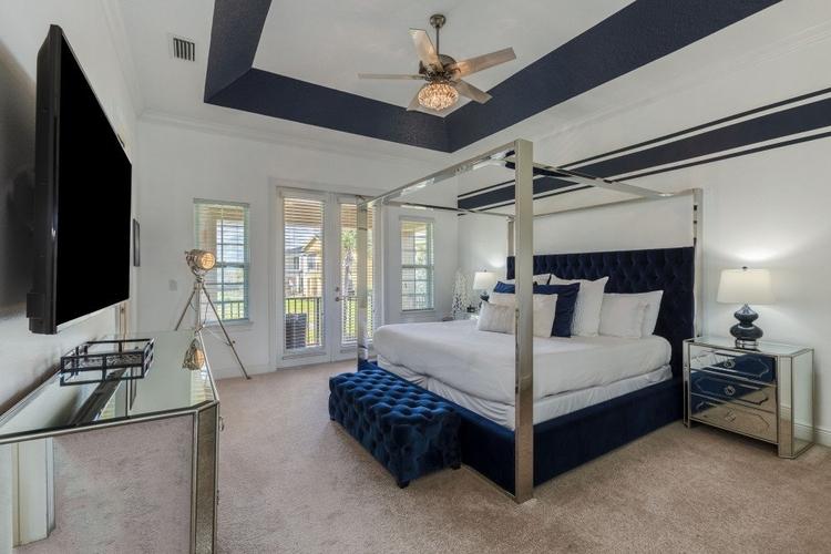 Reunion Resort 667 stylish contemporary bedroom