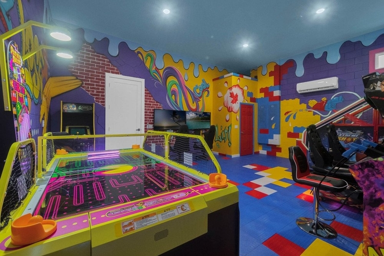 Kids game room in Reunion Resort 2400