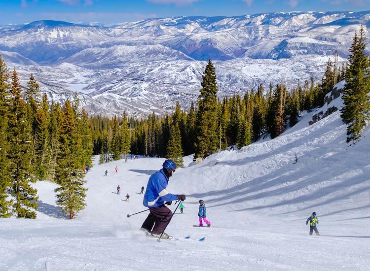 Skiing near Apsen USA