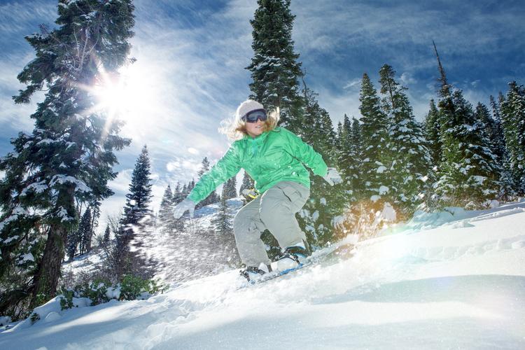 Snowboarder Aspen mountain