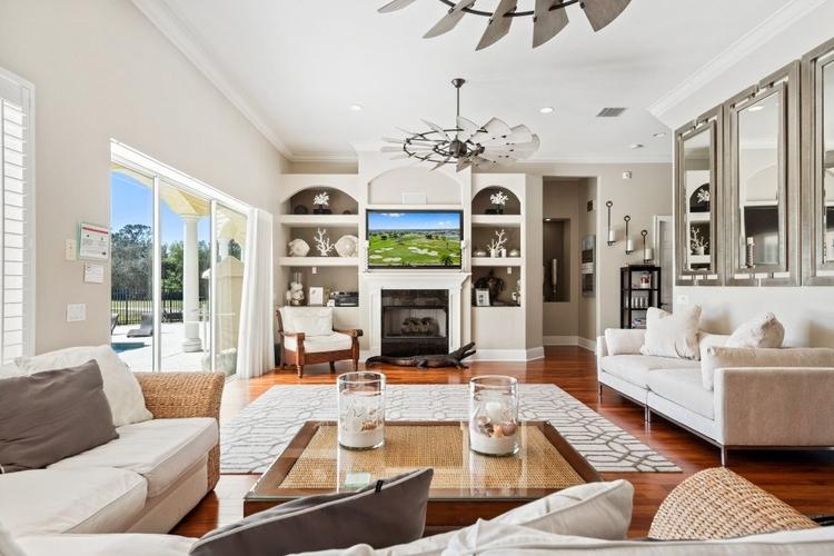 Living room in Reunion Resort 398
