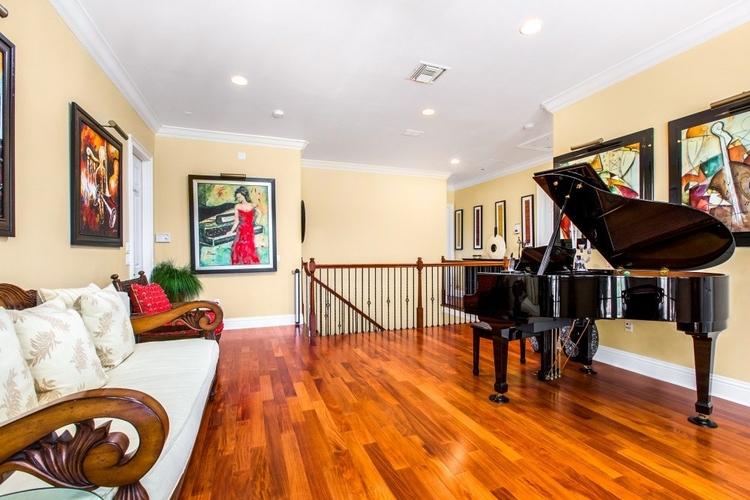 Private piano Reunion Resort 398