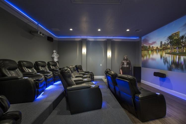 Home theater Reunion Resort 398