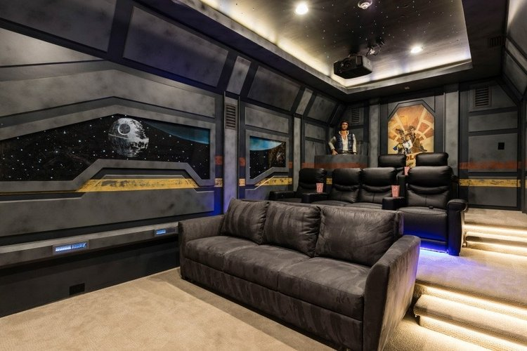 Orlando vacation rentals with movie theaters