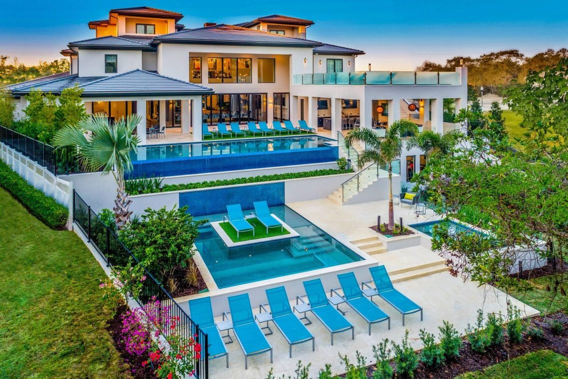 Affordable vacation mansions in Orlando