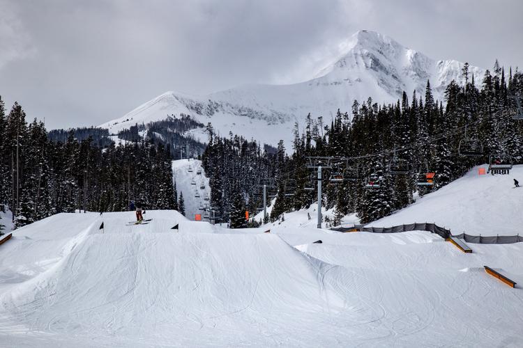 Skiing in Big Sky