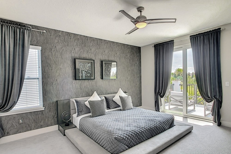 Bedroom in Bear's Den 4