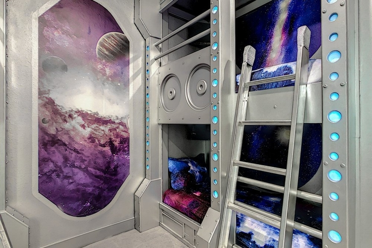 Space bedroom for kids Bear's Den 4