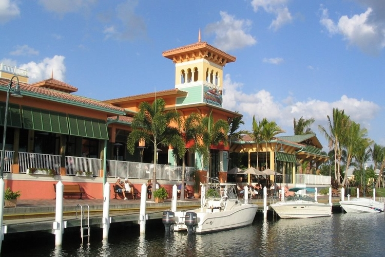Rum runners seafood restaurants in Cape Coral