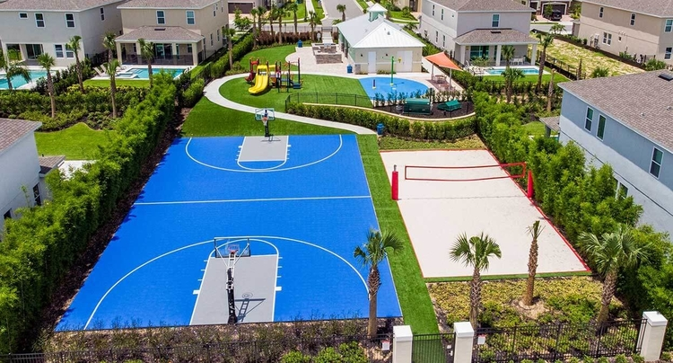 Tennis courts near this Orlando villas with pool and themed rooms