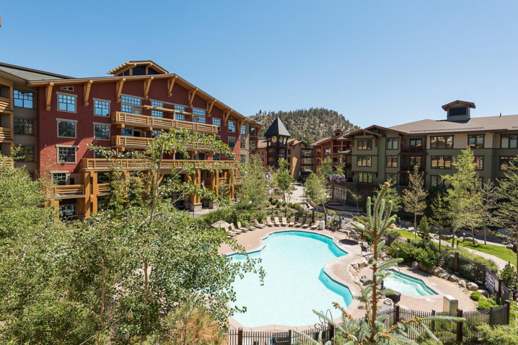 This Mammoth Mountain condo has an outdoor pool
