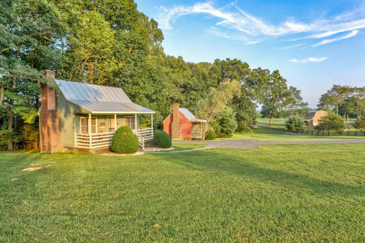 Accommodation for couples in Hot Springs VA